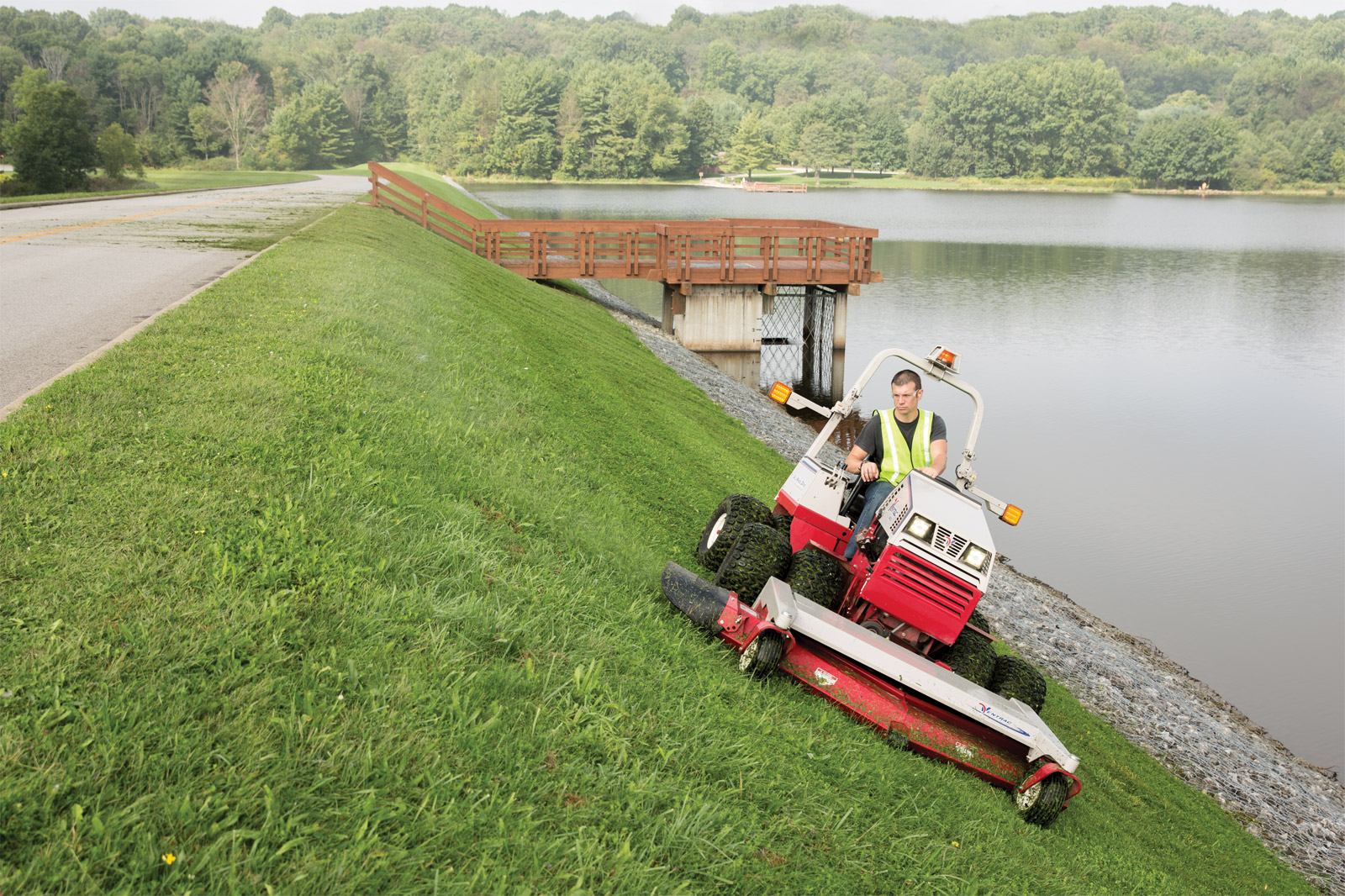 Lawn Mower On A Hill : Ventrac mowers