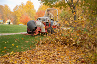 "<a href=""/press/?iid=2021"" class=""presslink"">Enlarge Picture/Press Link</a>Ventrac 4500Y clearing leaves with the Turbine Blower :: Up to 175 MPH of forced air with multi-directional aim is a quick and precise way to clear the ground of fallen leaves."