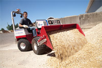"<a href=""/press/?iid=1922"" class=""presslink"">Enlarge Picture/Press Link</a>Ventrac 4500Y articulating tractor with Power Bucket :: The power bucket offers you a versatile solution for moving dirt, mulch, gravel, sand, and more."