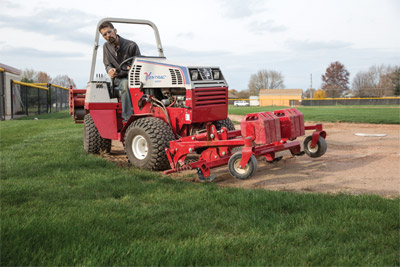 Ventrac Ballpark Renovator precision cutting - With the articulation of the 4500 cutting edges is even more precise with the renovator.
