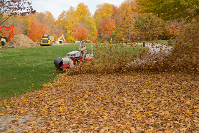 <strong>Ventrac 4500Y diesel with Turbine Blower</strong> - Move acres of fallen leaves in a fraction of the time with the 4500 with Turbine Blower
